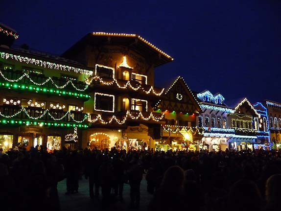Leavenworth German Christmas Town Washington.Weiners Bavarian Bratwurst And Snowshoeing In Leavenworth