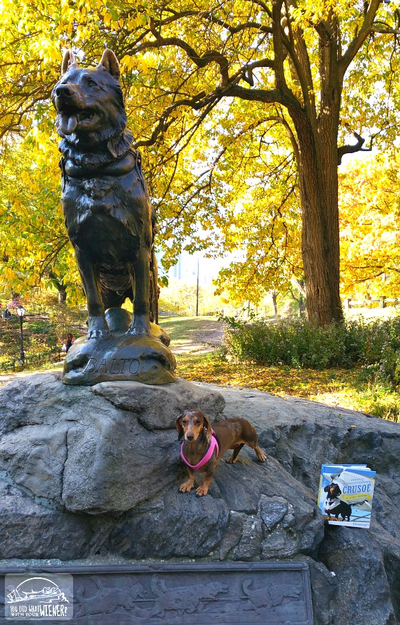 Gretel in Central Park with the Balto statue